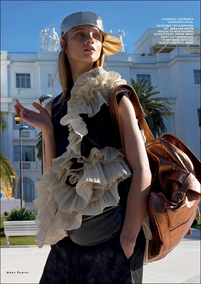 AnnaSelezneva-vogue-sporty-chic-edito-inspiration-bymyheels (12)