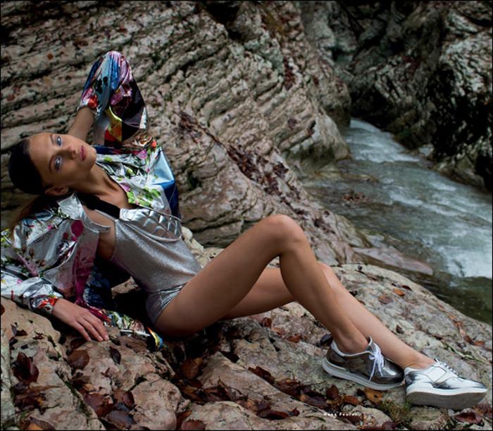 AnnaSelezneva-vogue-sporty-chic-edito-inspiration-bymyheels (9)