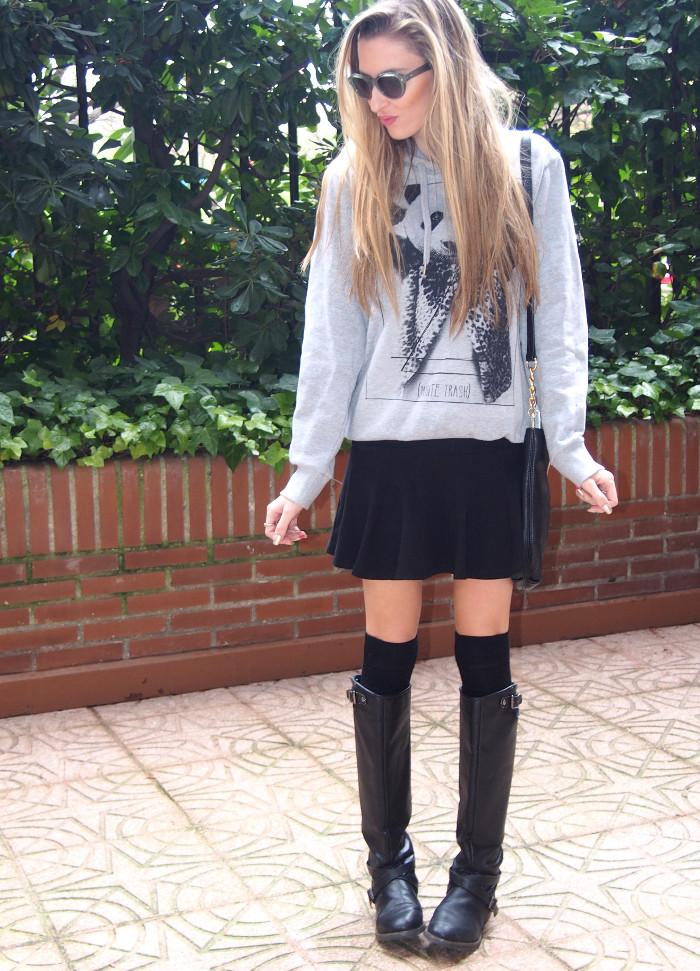 Calcetines por la rodilla, botas altas y sudadera de Eleven Paris