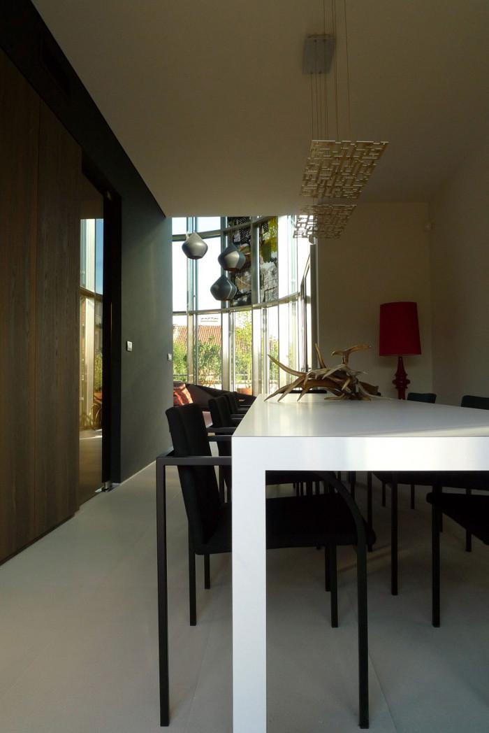 Contemporary_House_Italy_Deco_Inspiration_Bymyheels (7)
