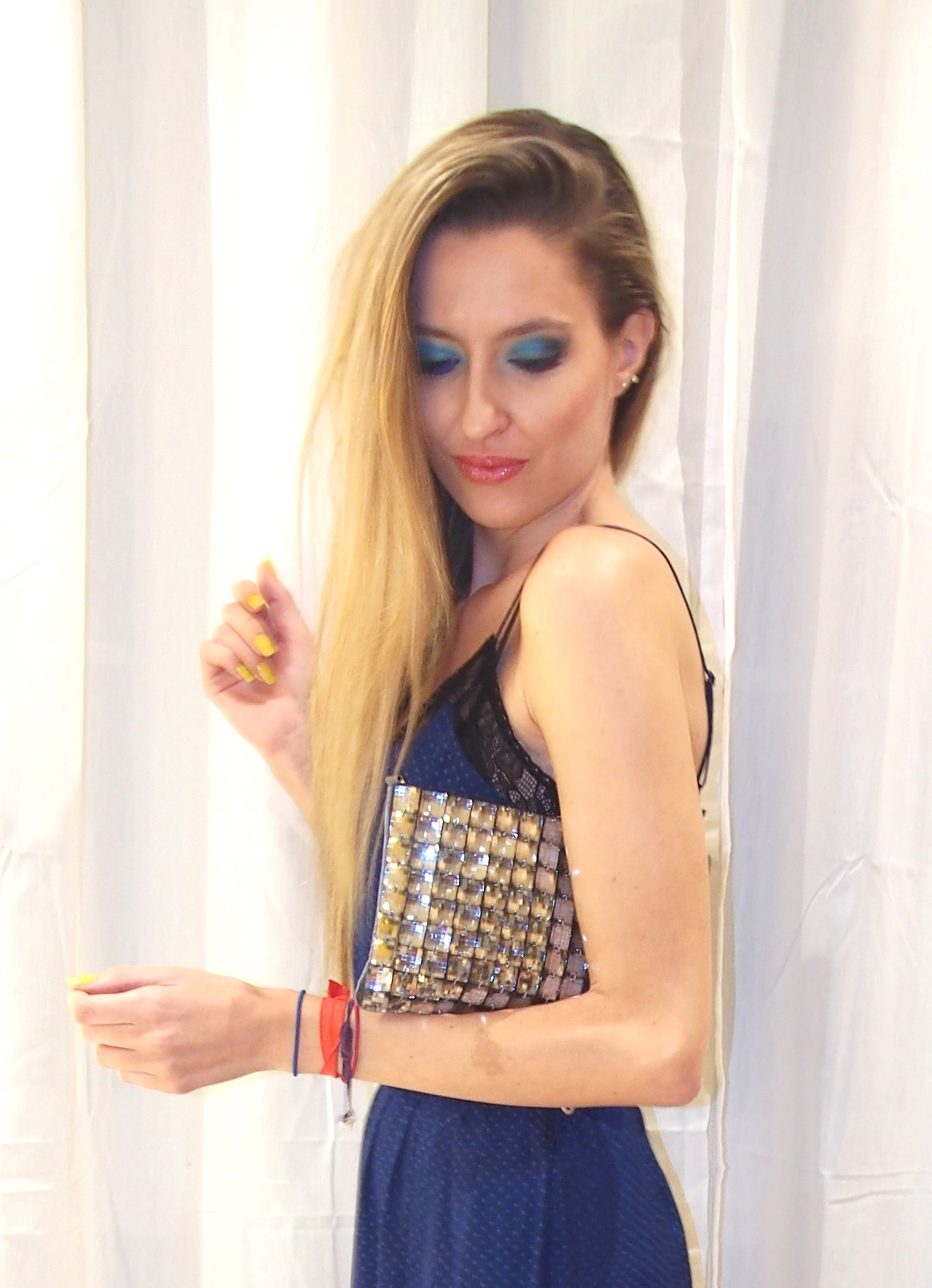 Stradivarius_Dress_Sdjack_Belt_Louis_Vuitton_Volum_Bags_Lara_Martin_Gilarranz_Bymyheels