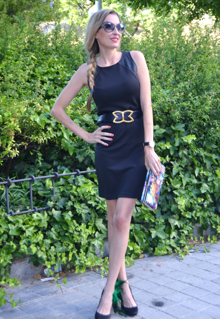 Black_Dress_Chic_Sympathique_Clutch_Customize_Zapatos_Customizados_Prada_Sunnies_Lara_Martin_Gilarranz_Bymyheels (9)