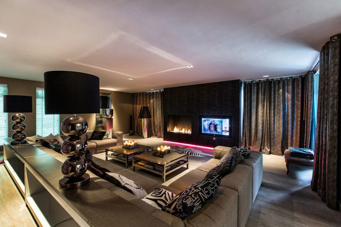 Contemporary_Villa_Deco_House_Bymyheels (17)