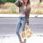 High waisted jeans, crop top & platforms