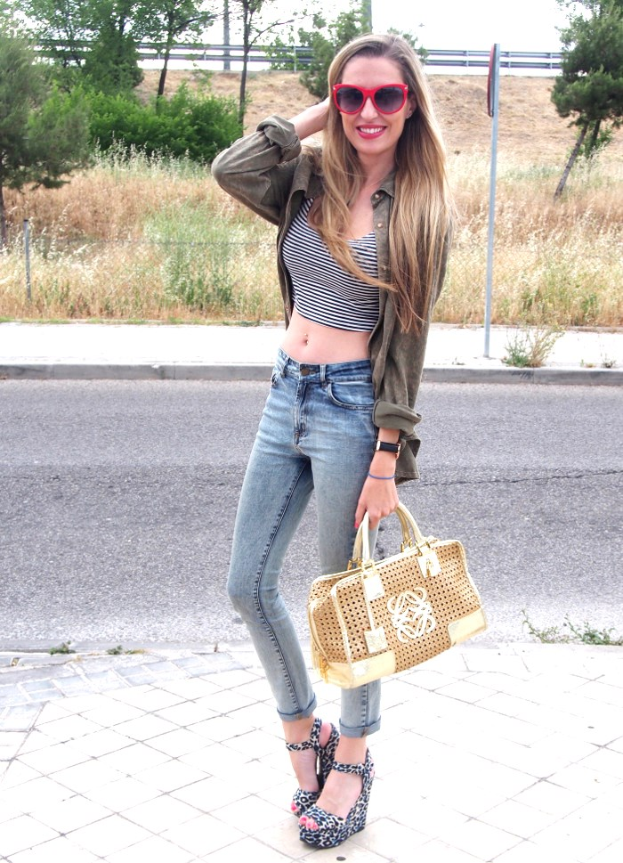 Crop_Top_Sandals_High_Waisted_Jeans_Amazona_Loewe_Gafas_De_Sol_Guess_Lara_Martin_Gilarranz_Bymyheels