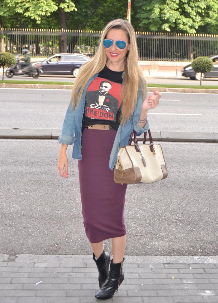 Midi_Skirt_Dolce_Gabbana_Tshirt_Menbur_Booties_Ray_Ban_Aviator_Sunnies_Amazona_Loewe_Lara_Martin_Gilarranz_Bymyheels (1)