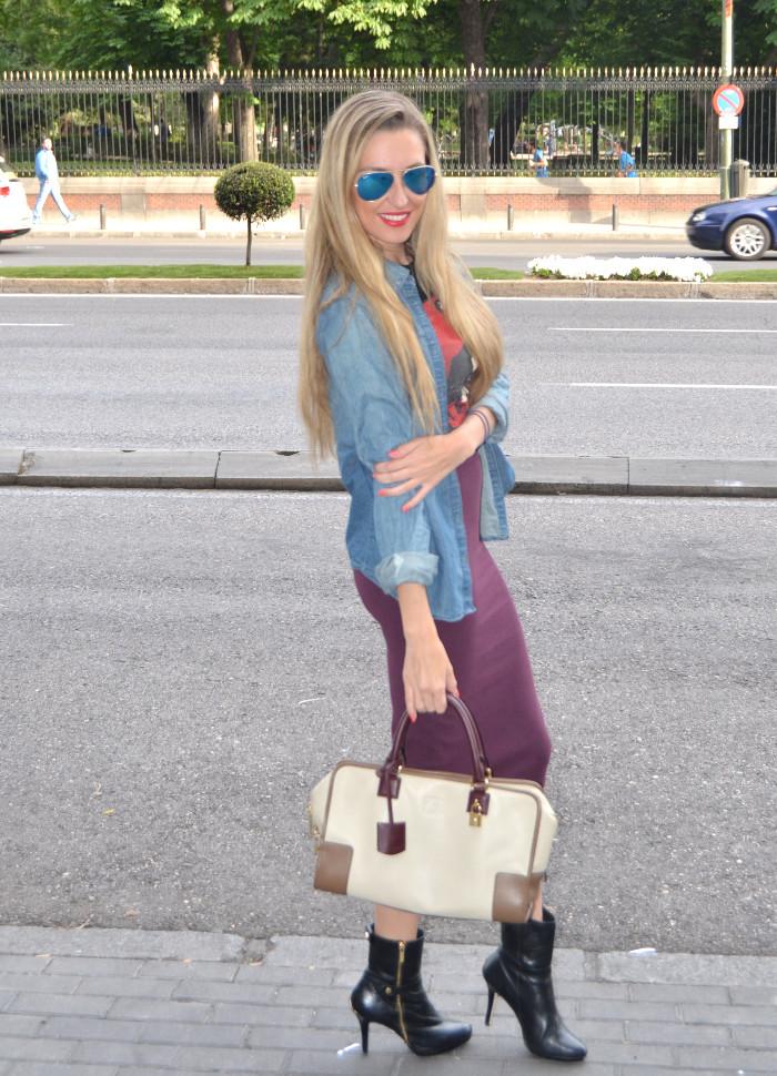Midi_Skirt_Dolce_Gabbana_Tshirt_Menbur_Booties_Ray_Ban_Aviator_Sunnies_Amazona_Loewe_Lara_Martin_Gilarranz_Bymyheels (3)