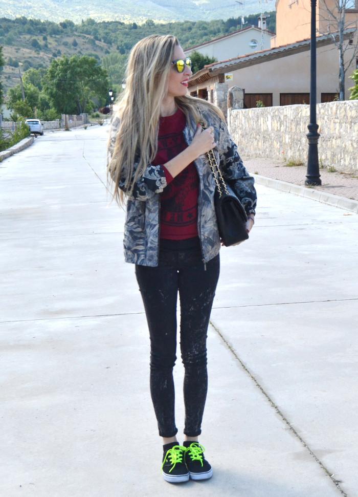 Chanel_2.55_Bomber_Skinny_Jeans_Hoodie_Vans_Mirror_Sunnies_Lara_Martin_Gilarranz_Bymyheels (4)