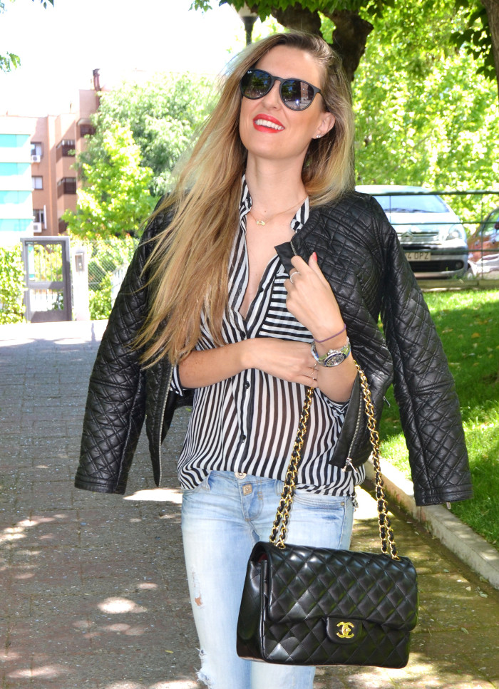 Chanel_255_Chanel_Bag_Black_Golden_Black_Stilettos_Ray_Ban_Leather_Jacket_Lara_Martin_Gilarranz_Bymyheels (11)