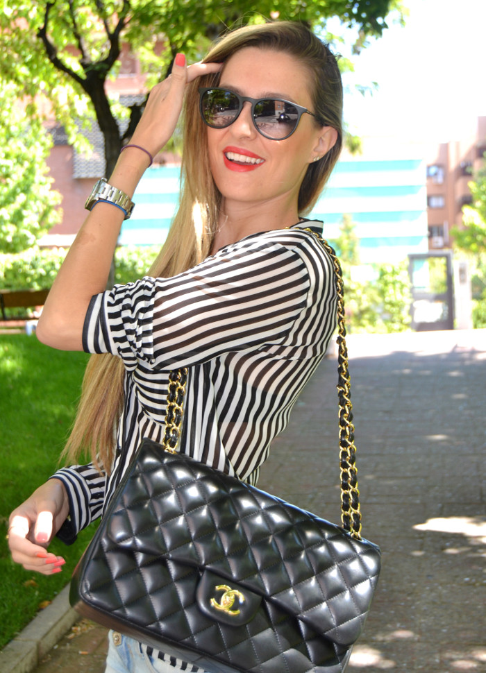 Chanel_255_Chanel_Bag_Black_Golden_Black_Stilettos_Ray_Ban_Leather_Jacket_Lara_Martin_Gilarranz_Bymyheels (13)