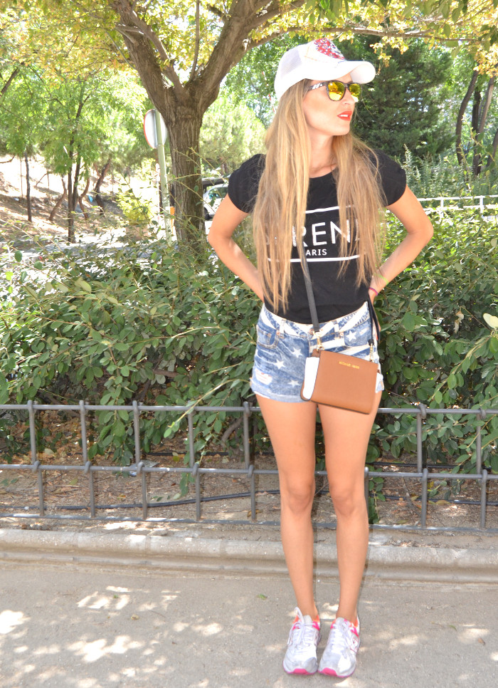 Ed_Hardy_Cap_Forever_21_Shorts_New_Balance_Blenders_Gafas_De_Sol_De_Espejo_Lara_Martin_Gilarranz_Bymyheels (1)