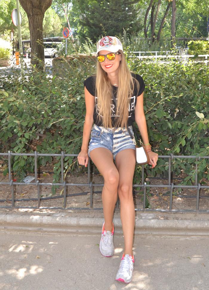 Ed_Hardy_Cap_Forever_21_Shorts_New_Balance_Blenders_Gafas_De_Sol_De_Espejo_Lara_Martin_Gilarranz_Bymyheels (6)