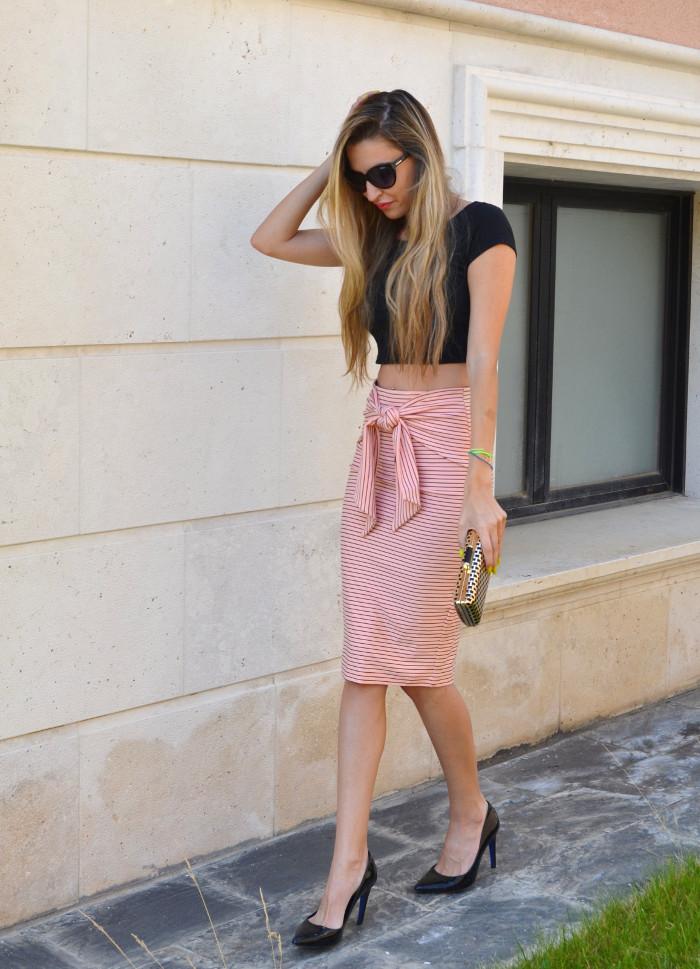 Midi_Skirt_Crop_Top_Zara_Clutch_Volum_Bags_Black_Pink_Stilettos_Lara_Martin_Gilarranz_Bymyheels (2)