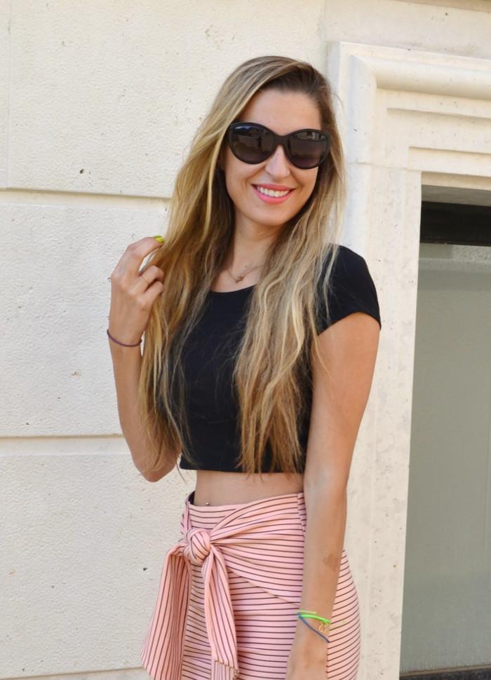Midi_Skirt_Crop_Top_Zara_Clutch_Volum_Bags_Black_Pink_Stilettos_Lara_Martin_Gilarranz_Bymyheels (6)