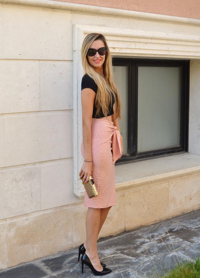 Midi_Skirt_Crop_Top_Zara_Clutch_Volum_Bags_Black_Pink_Stilettos_Lara_Martin_Gilarranz_Bymyheels (8)
