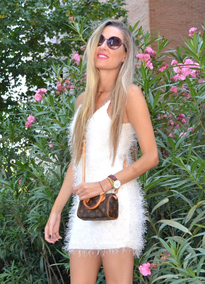 Mini_Speedy_Louis_Vuitton_White_Dress_Les_Spec_Lara_Martin_Gilarranz_Bymyheels (6)