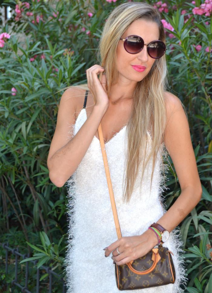 Mini_Speedy_Louis_Vuitton_White_Dress_Les_Spec_Lara_Martin_Gilarranz_Bymyheels (8)