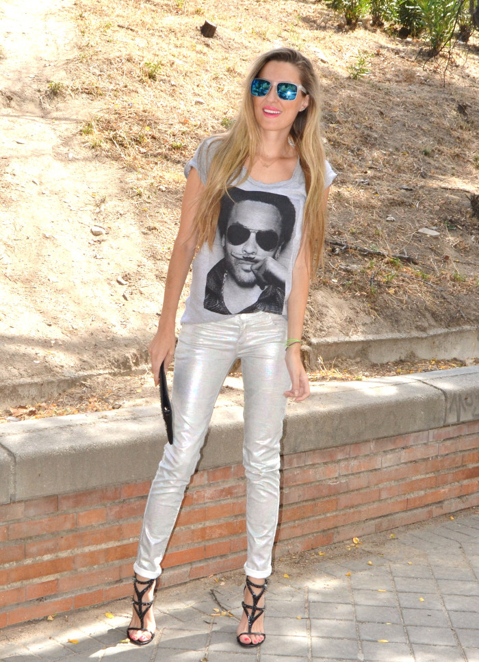 Silver_Jeans_Eleven_Paris_tshirt_Mirror_Sunnies_Guess_Sandals_Studs_Clutch_Lara_Martin_Gilarranz_Bymyheels (1)