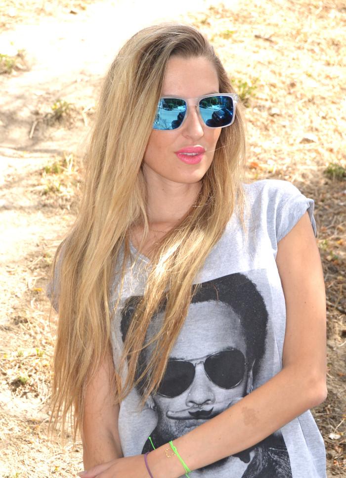 Silver_Jeans_Eleven_Paris_tshirt_Mirror_Sunnies_Guess_Sandals_Studs_Clutch_Lara_Martin_Gilarranz_Bymyheels (7)