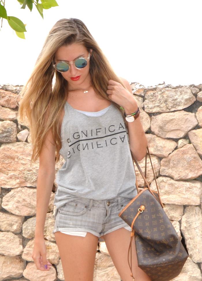 Total_Grey_Outfit_Ibiza_Beach_Lara_Martin_Gilarranz_Bymyheels (4)