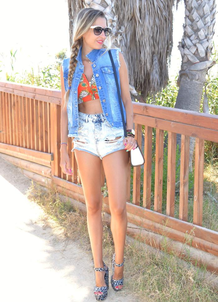 Beach_Dress_High_Waisted_Shorts_Crop_Top_Cap_Denim_Michael_Kors_Skirt_Lara_Martin_Gilarranz_Bymyheels (49)