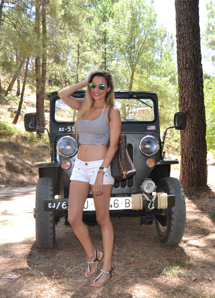 Jeep_Willys_II_Guerra_Mundial_Shorts_Cropped_Top_Sierra_Gredos_Lara_Martin_Gilarranz_Bymyheels (3)