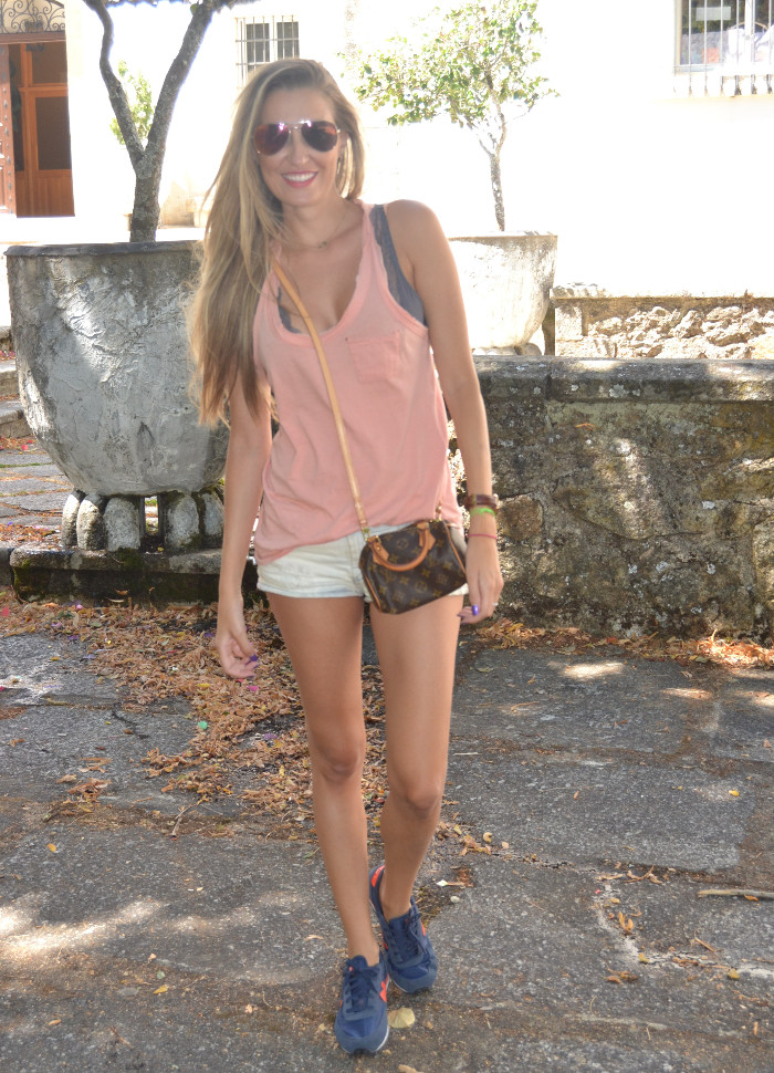Shorts_Tank_Top_Mirror_Sunnies_New_Balance_Mini_Speedy_Louis_Vuitton_Lara_Martin_Gilarranz_Bymyheels (1)