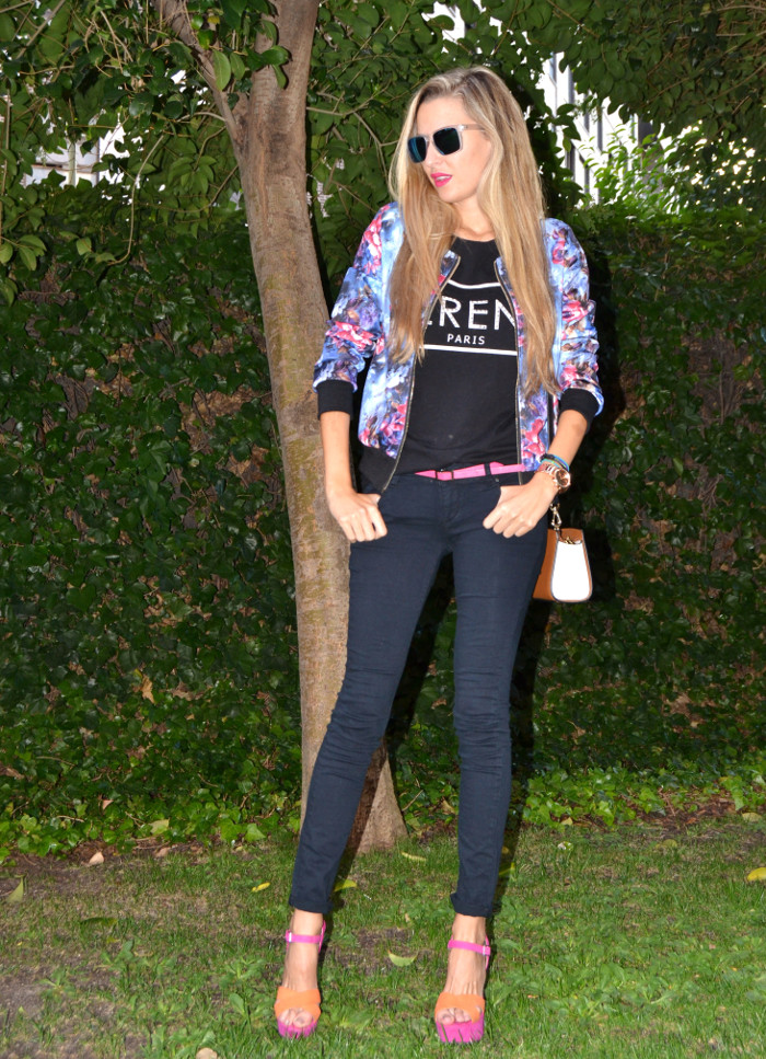 Personaling_Shopping_Online_Flowers_Bomber_Skinny_Jeans_Black_Mirror_Sunnies_Lara_Martin_Gilarranz_Bymyheels (1)