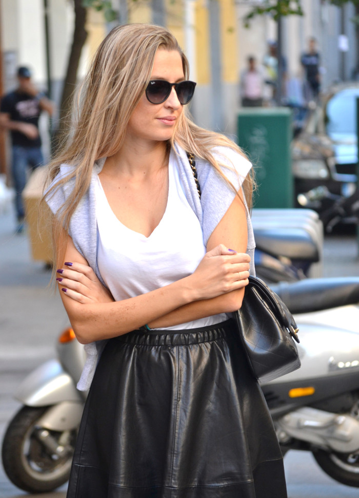 Mulaya_Leather_Skirt_Chloe_Borel_Chanel_Ray_Ban_Eleven_Paris_Lara_Martin_Gilarranz_Bymyheels (2)