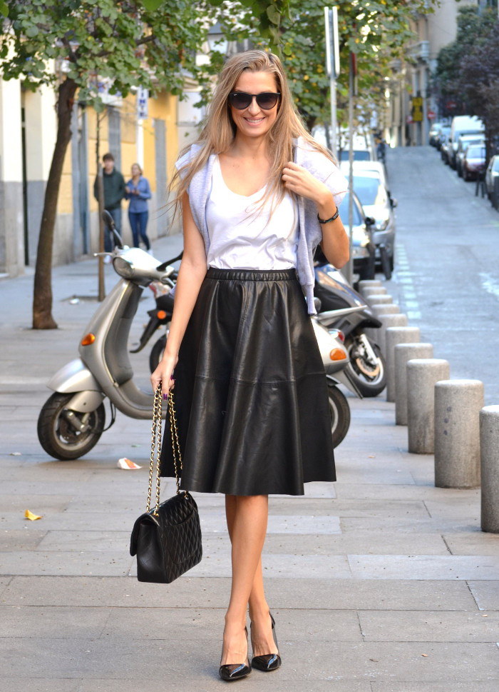 Mulaya_Leather_Skirt_Chloe_Borel_Chanel_Ray_Ban_Eleven_Paris_Lara_Martin_Gilarranz_Bymyheels (4)
