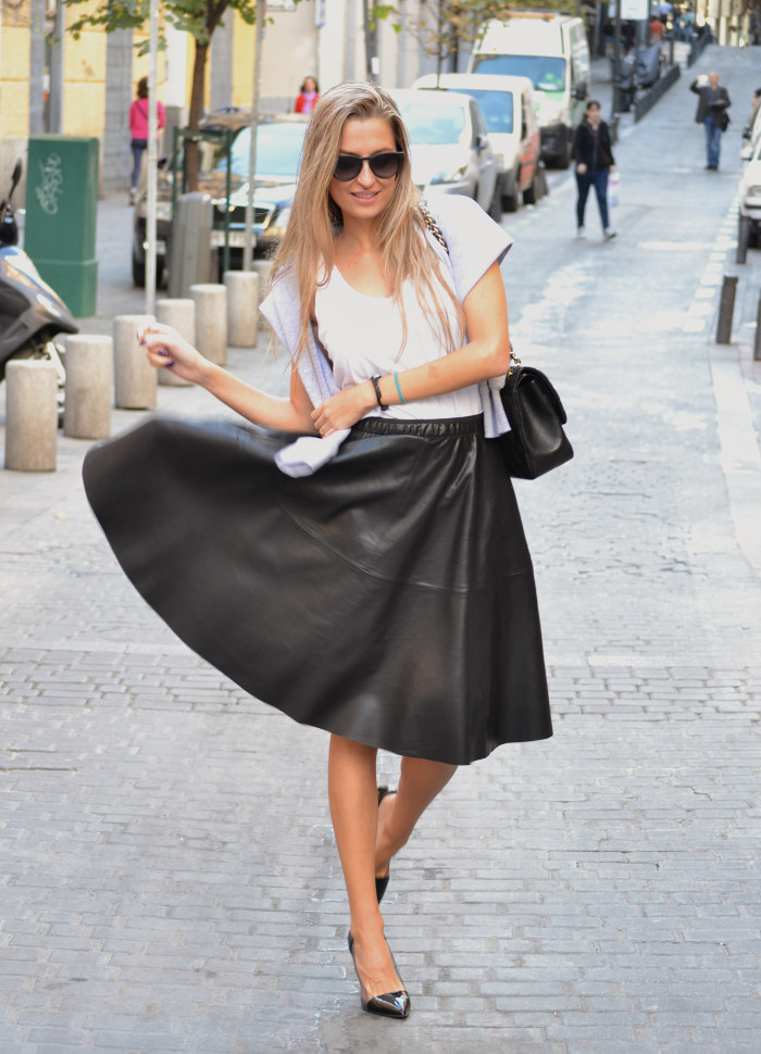Mulaya_Leather_Skirt_Chloe_Borel_Chanel_Ray_Ban_Eleven_Paris_Lara_Martin_Gilarranz_Bymyheels (8)