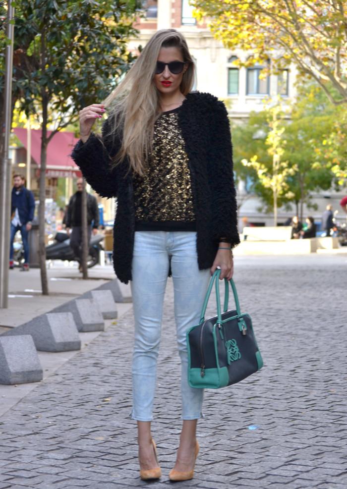 Fur_Coat_Capri_Jeans_stilettos_Amazona_Loewe_Lara_Martin_Gilarranz_Bymyheels (11)