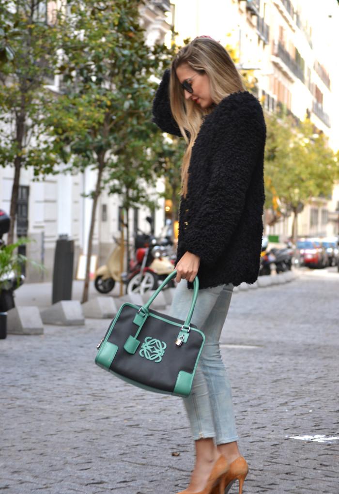 Fur_Coat_Capri_Jeans_stilettos_Amazona_Loewe_Lara_Martin_Gilarranz_Bymyheels (5)