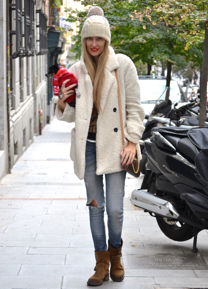 Fur_Coat_Venca_Biker_Boots_Ripped_Jeans_Hat_Pochette_Eva_Lara_Martin_Gilarranz_Bymyheels (2)