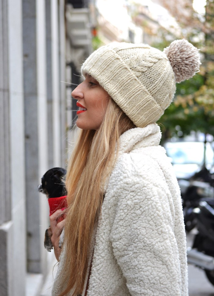 Fur_Coat_Venca_Biker_Boots_Ripped_Jeans_Hat_Pochette_Eva_Lara_Martin_Gilarranz_Bymyheels (5)