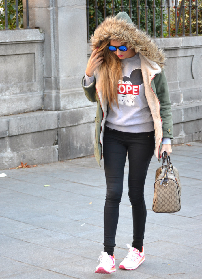 Military_Parka_New_Balance_Wantlook_Sunglasses_Mirror_Sunnies_Boston_Bag_Gucci_Lara_Martin_Gilarranz_Bymyheels (6)