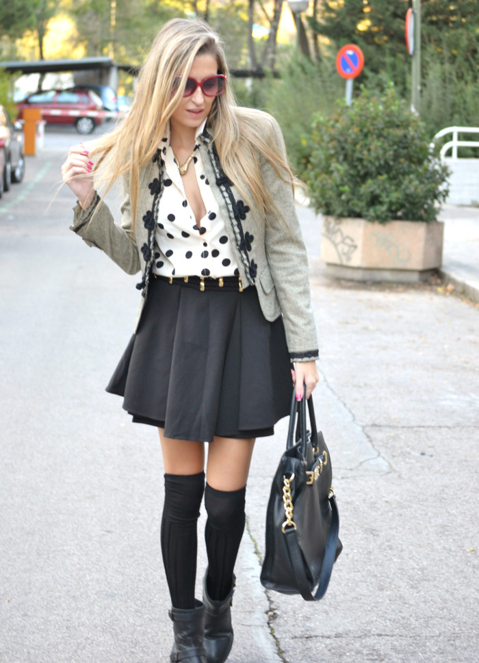 Over_The_Knee_Socks_Black_Skirt_Michael_Kors_Bag_Polka_Dots_Lara_Martin_Gilarranz_Bymyheels (8)