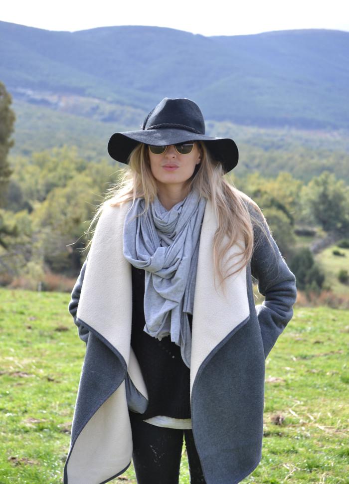 Sierra_Riverside_Hat_Grey_Coat_Jeans_Alpe_Lara_Martin_Gilarranz_Bymyheels (4)