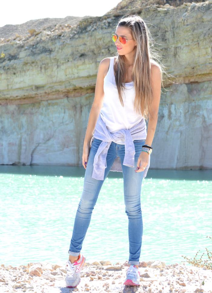 Skinny_Jeans_Sweatshirt_New_Balance_Tank_Top_Blenders_Salsa_Jeans_Lara_Martin_Gilarranz_Bymyheels (6)