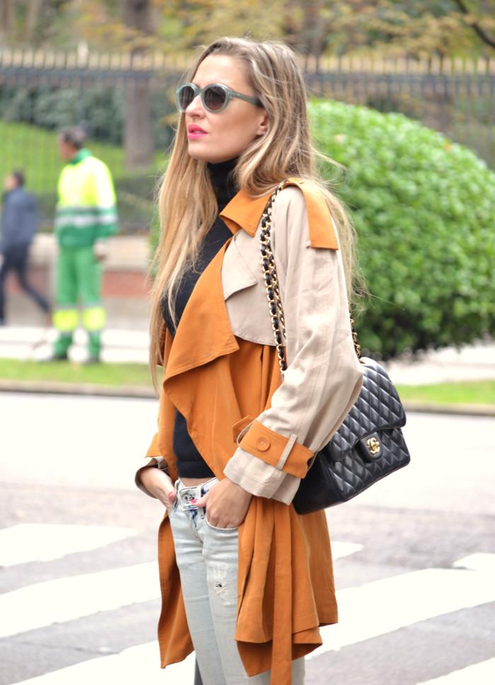 Trench_255_Chanel_Bag_Jeans_New_Balance_Giorgio_Armani_Lara_Martin_Gilarranz_Bymyheels (1)