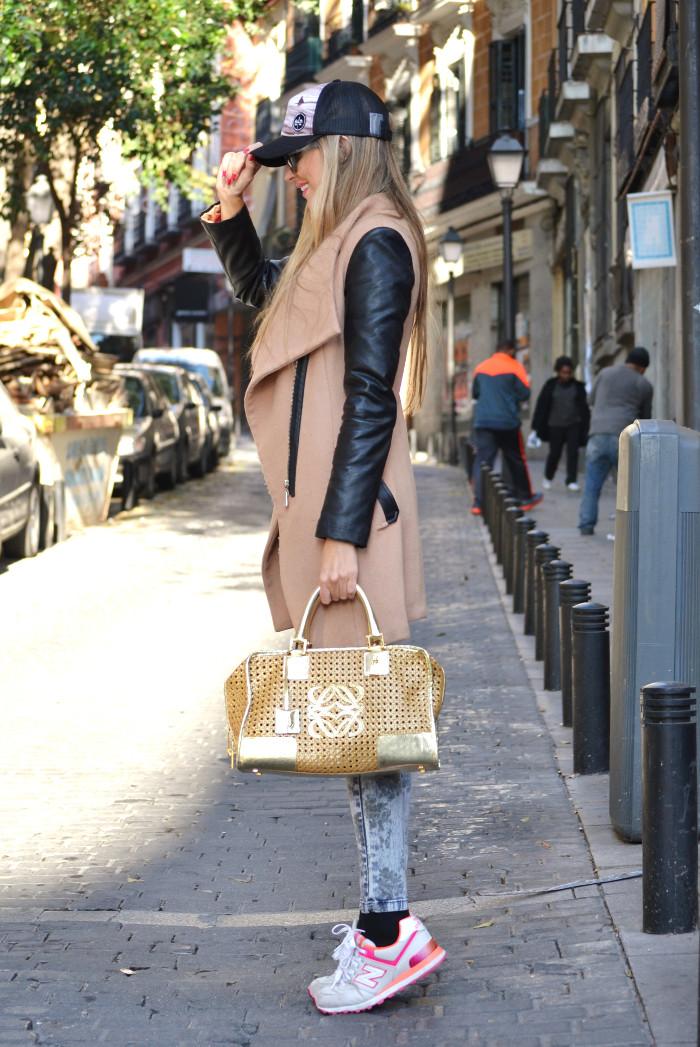 Wool_Leather_Coat_Skinny_Jeans_New_Balance_Cap_Amazona_Loewe_Quiksilver_Giorgio_Armani_Lara_Martin_Gilarranz_Bymyheels (8)