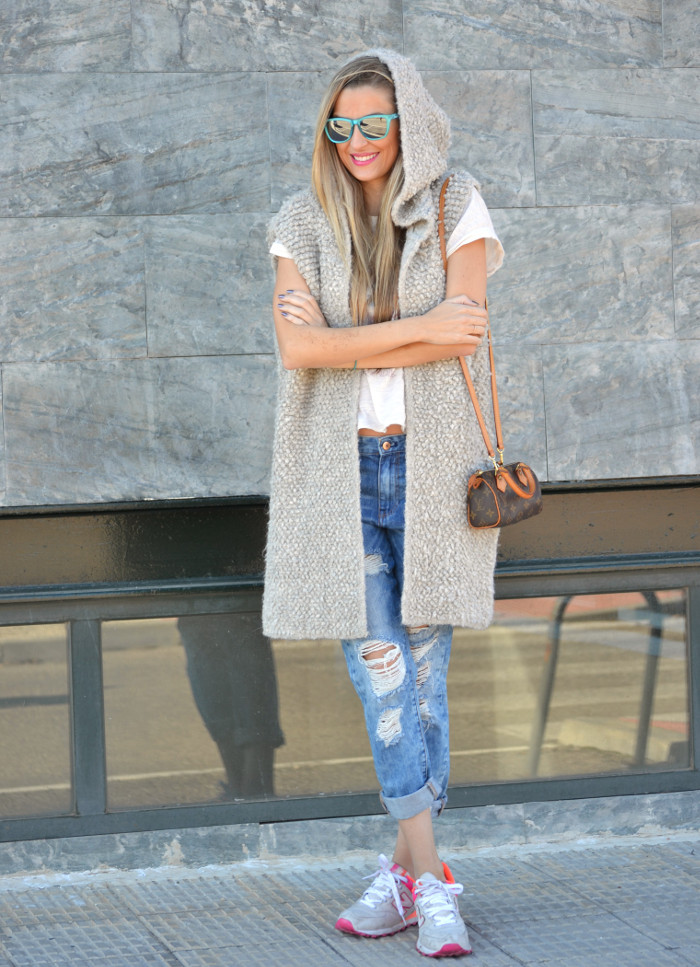 Fur_Vest_Boyfriend_Jeans_Mini_Speedy_Louis_Vuitton_Dear_Tee_New_Balance_Knockarround_Lara_Martin_Gilarranz_Bymyheels (10)