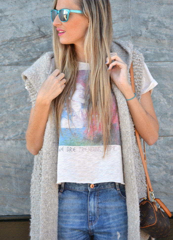 Fur_Vest_Boyfriend_Jeans_Mini_Speedy_Louis_Vuitton_Dear_Tee_New_Balance_Knockarround_Lara_Martin_Gilarranz_Bymyheels (2)