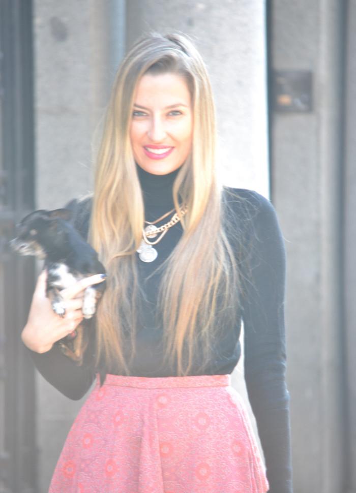 Midi_Skirt_HM_Boston_Bag_Gucci_Heels_Chihuahua_Lara_Martin_Gilarranz_Bymyheels (2)