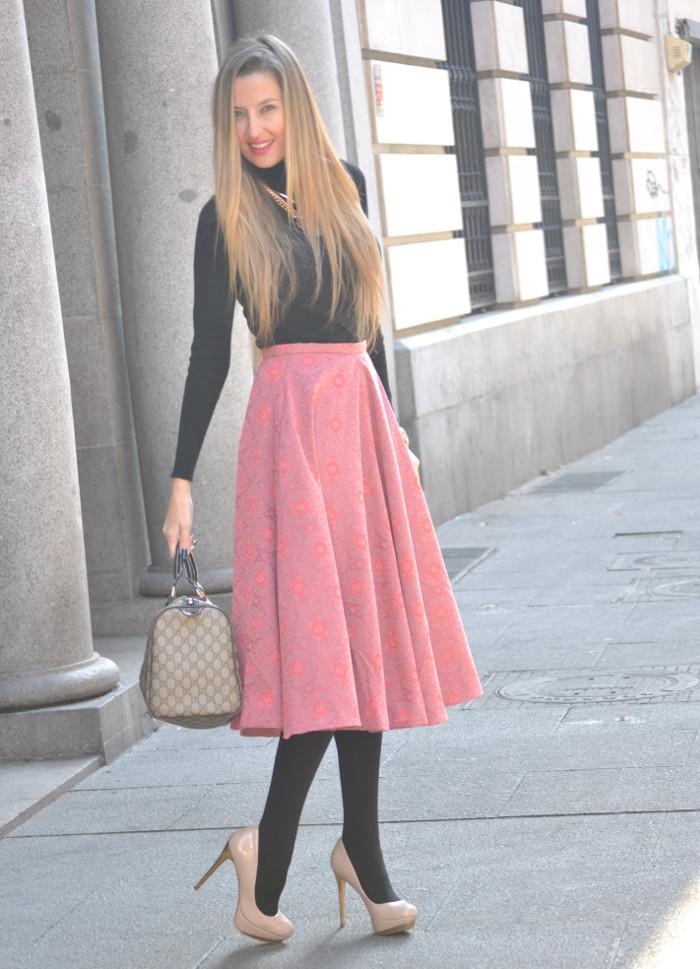 Midi_Skirt_HM_Boston_Bag_Gucci_Heels_Chihuahua_Lara_Martin_Gilarranz_Bymyheels (6)