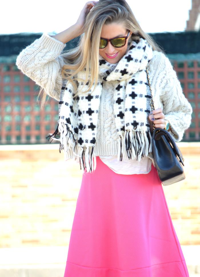 Midi_Skirt_Jumbo_Chanel_Stilettos_Sweater_Wool_Pink_Scarf_Lara_Martin_Gilarranz_Bymyheels (8)