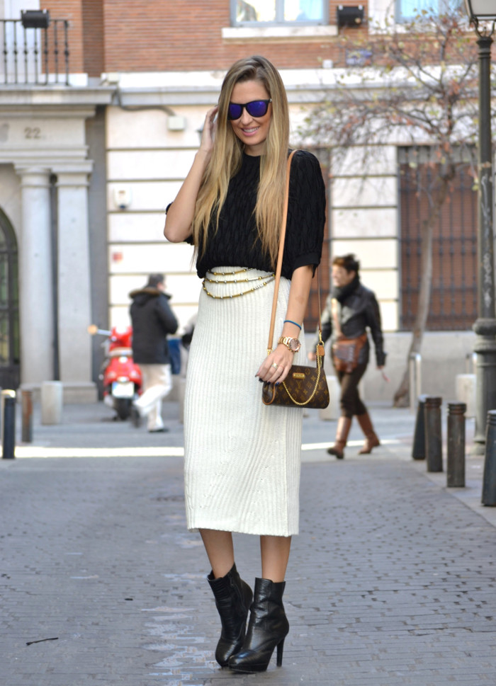 Wool_Midi_Skirt_Booties_Mirror_Sunnies_Blenders_Louis_Vuitton_Pochette_Eva_Lara_Martin_Gilarranz_Bymyheels (1)
