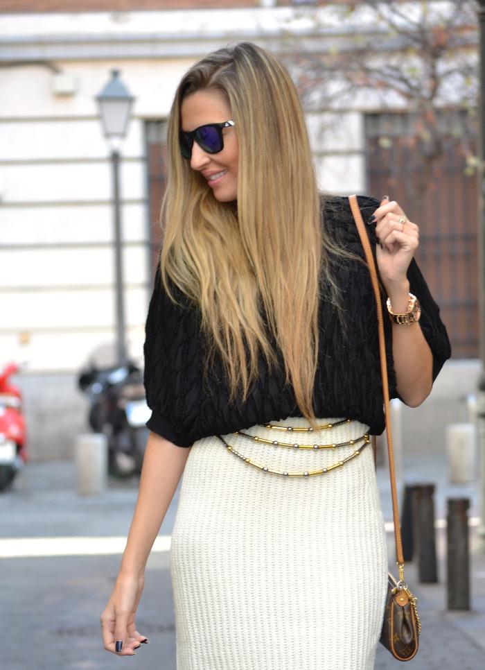 Wool_Midi_Skirt_Booties_Mirror_Sunnies_Blenders_Louis_Vuitton_Pochette_Eva_Lara_Martin_Gilarranz_Bymyheels (4)