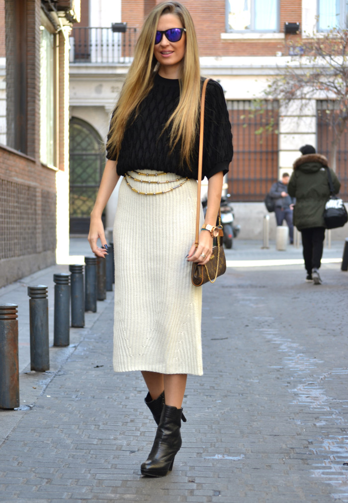 Wool_Midi_Skirt_Booties_Mirror_Sunnies_Blenders_Louis_Vuitton_Pochette_Eva_Lara_Martin_Gilarranz_Bymyheels (7)