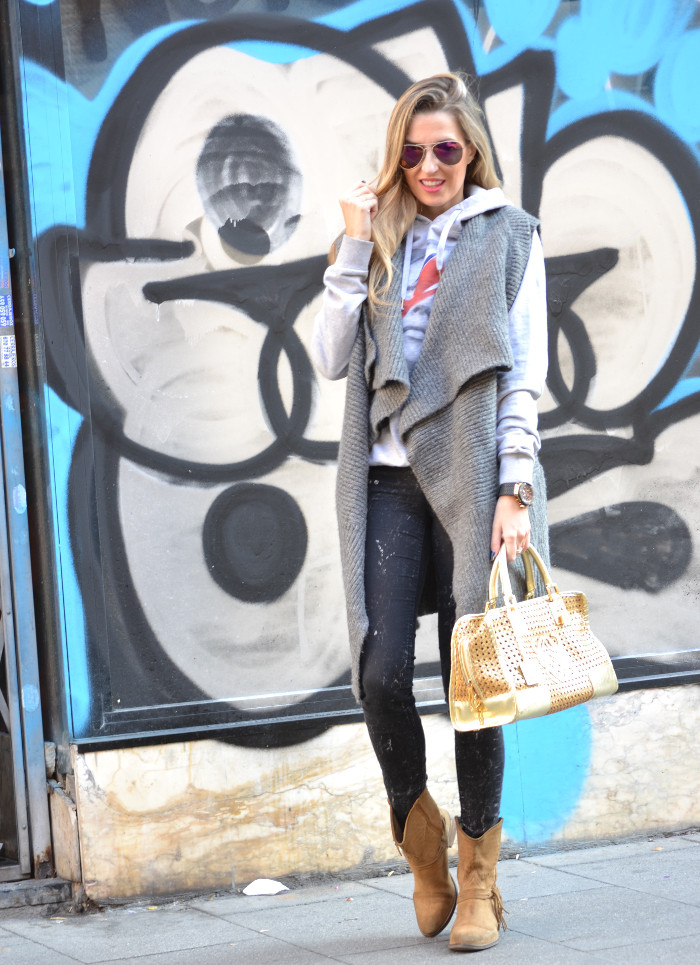 Wool_Vest_Amazona_Loewe_Booties_Skinny_Jeans_Ray_Ban_Hublott_Eleven_Paris_Lara_Martin_Gilarranz_Bymyheels. (2)